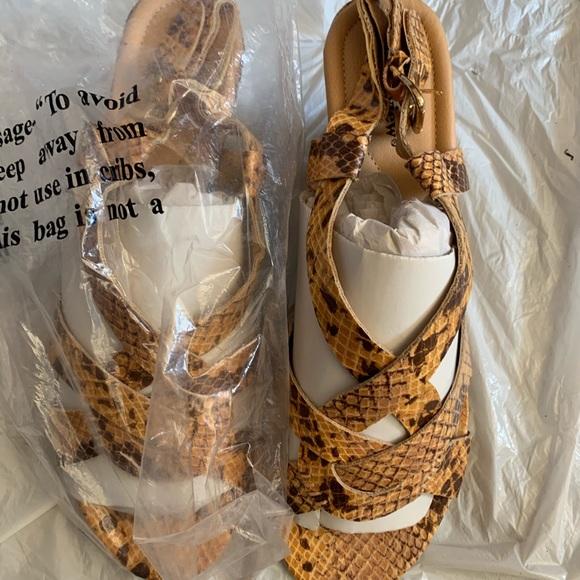 comfortview Shoes - comfortview 👣 Snake Design Wedge Sandals